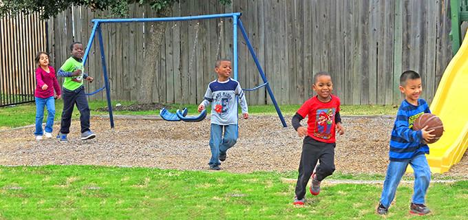 fort-bend-best-montessori-outdoor-play